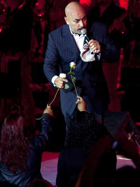 En Iturbide, Nuevo León, justo donde su hermana Jenni tuvo su último suspiro, Lupillo Rivera llevará una serenata a la cantante. Foto: Reforma
