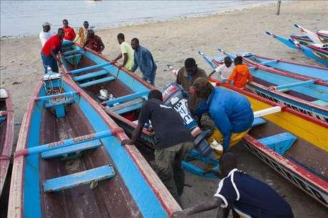 Dos pescadores de Bermeo, encarcelados en Senegal por delito ecológico Foto: Agencia EFE / © EFE 2013. Está expresamente prohibida la redistribución y la redifusión de todo o parte de los contenidos de los servicios de Efe, sin previo y expreso consentimiento de la Agencia EFE S.A.