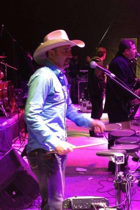 El músico formaba parte de Los Mier, grupo muy famoso en los años 80's,que continúaen el ambiente musical. Foto: Facebook Los Mier