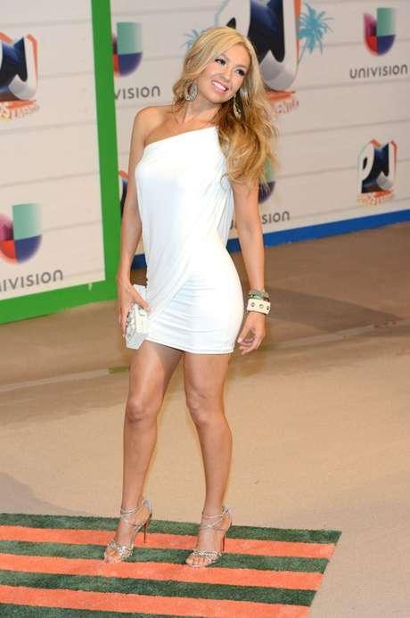 Thalía Sodi canta a duo con Érick Rubín  la canción 'La Apuesta', la cual ya se está promoviendo en las estaciones de radio del país. Foto: PhotoAMC
