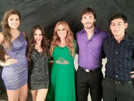 Maria T, Gaby, Analia, Sergio y Juver. Foto: Twiter @MissAnalia
