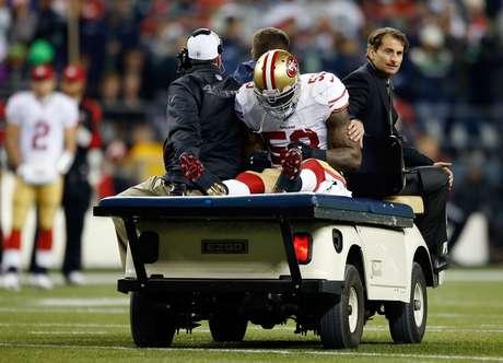 NaVorro Bowman sufrió la rotura de ligamentos pero podría regresar antes de la temporada 2014 Foto: Gettyimages