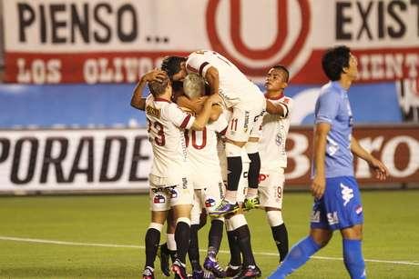 Universitario quiere iniciar con un triunfo ante Vélez Sarsfield en la Copa Libertadores 2014. Foto: Miguel Bustamante / Terra Perú