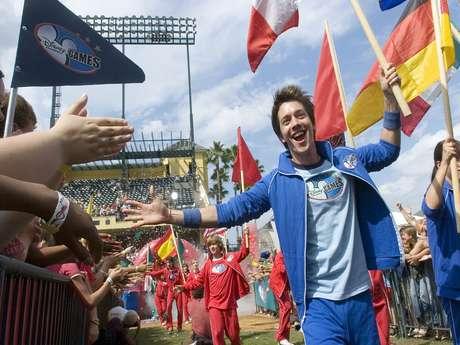 Roger González es un apasionado de los deportes y le pondrá su toque a las entrevistas con sus invitados en 'Por la Banda'. Foto: GettyImages