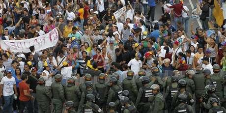 """Madurorechazó todo nexo con grupos irregulares y llamó a todas las fuerzas políticas """"a que condenemos a esos grupos violentos, que cesen la provocaciones, que cesen las emboscadas"""". Foto: Difusión"""