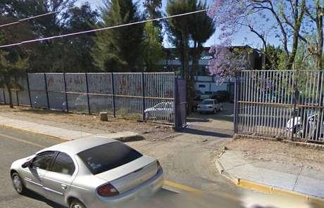 Según el programa Google Maps, esta es la fachada donde estudian los jóvenes atropellados por un camión de la ruta 368. Foto: Google Maps