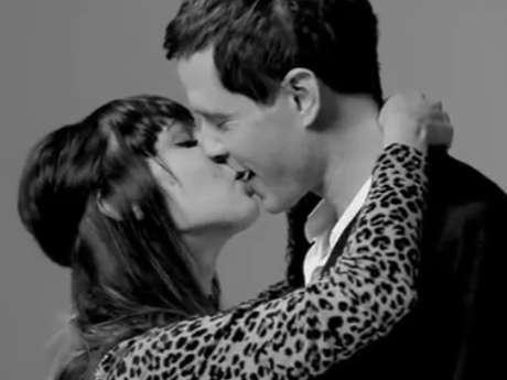 Conoce lo que pasa cuando dos personas se besan por primera vez. Foto: Captura