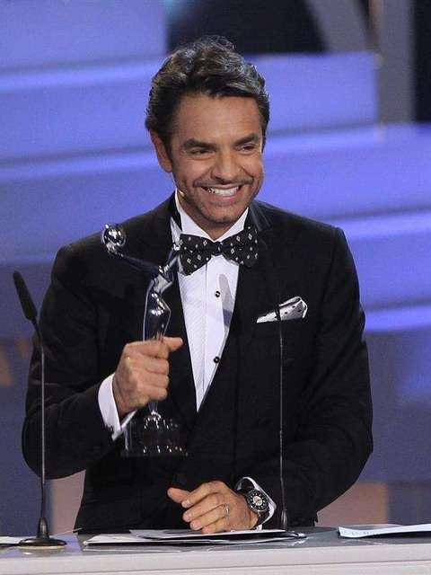 Eugenio Derbez ganó como 'Mejor Actor' por 'No se aceptan devoluciones' Foto: EFE en español