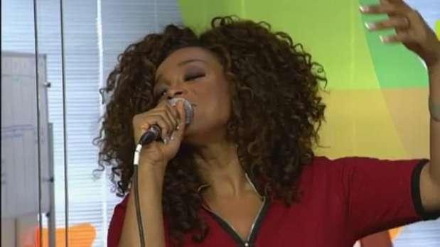 Paula Lima dá palinha de sucesso de Alcione Video: