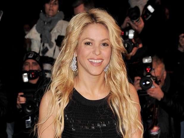 http://p1.trrsf.com/image/fget/cf/67/51/images.terra.com/2011/04/05/Shakira.jpg