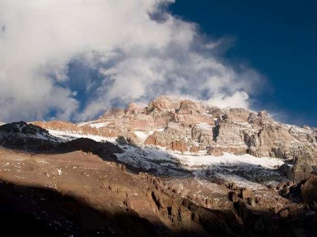 http://p1.trrsf.com/image/fget/cf/67/51/images.terra.com/2012/02/15/Aconcagua20120215070156.jpg