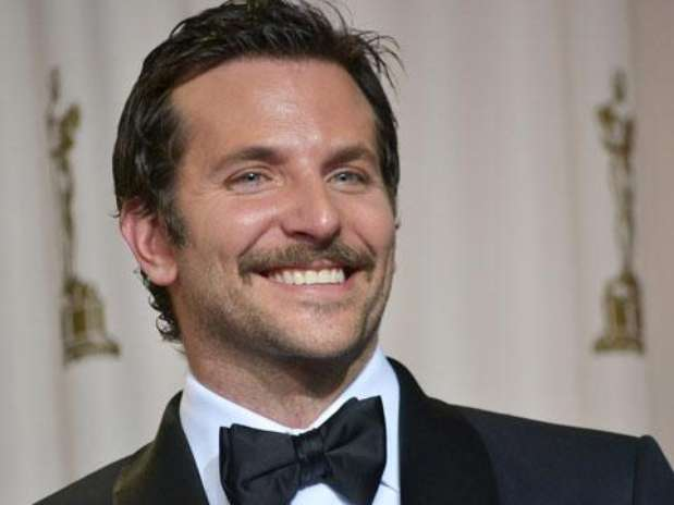 http://p1.trrsf.com/image/fget/cf/67/51/images.terra.com/2012/02/27/4283eee0-cooper-mustache%20(4)p.JPG