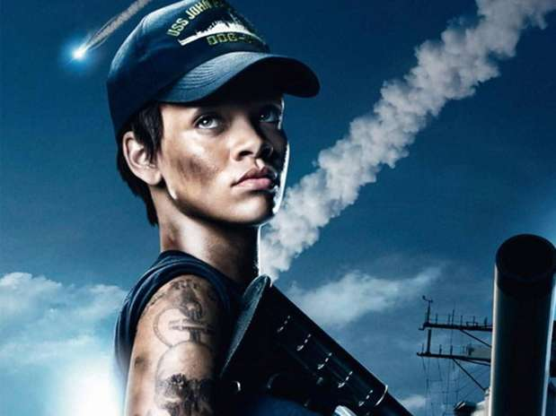 http://p1.trrsf.com/image/fget/cf/67/51/images.terra.com/2012/04/24/RihannaBattleship20120424052734.jpg