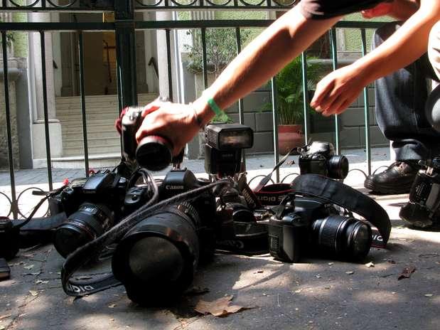 http://p1.trrsf.com/image/fget/cf/67/51/images.terra.com/2012/05/04/camaras_AP20120504051631.jpg