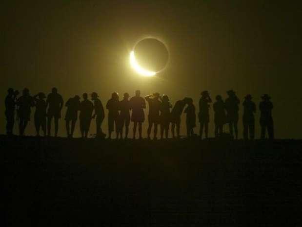 http://p1.trrsf.com/image/fget/cf/67/51/images.terra.com/2012/05/20/eclipse220120520032826.jpg