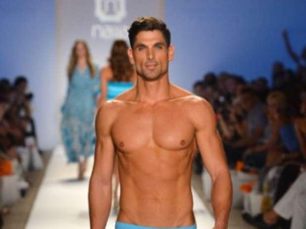 Lo ltimo en trajes de ba o para hombres for Lo ultimo en moda para hombres