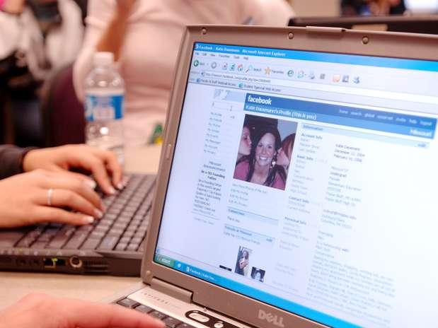 http://p1.trrsf.com/image/fget/cf/67/51/images.terra.com/2012/08/08/facebookprofile1.jpg