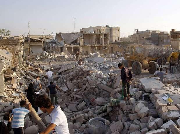 http://p1.trrsf.com/image/fget/cf/67/51/images.terra.com/2012/08/16/reuters-bombardeo-siria-03.JPG