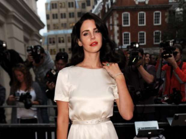 Lana Del Rey Goes Nude on Cover of British GQs Men of