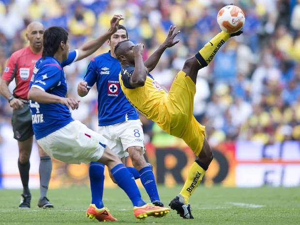 http://p1.trrsf.com/image/fget/cf/67/51/images.terra.com/2012/09/19/azulamerica.jpg