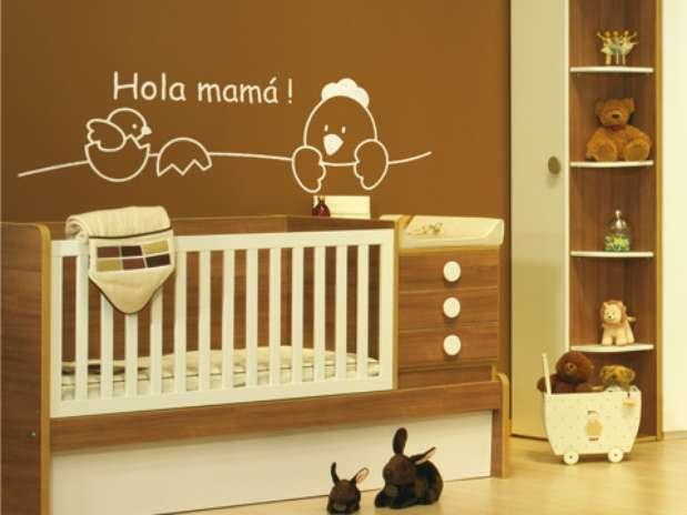 Ejemplos de vinilos para pintar y decorar paredes fotos y - Paredes habitacion bebe ...