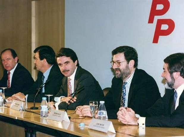 http://p1.trrsf.com/image/fget/cf/67/51/images.terra.com/2012/11/17/aznar1.jpg