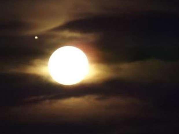 http://p1.trrsf.com/image/fget/cf/67/51/images.terra.com/2012/11/29/jupiter.jpg