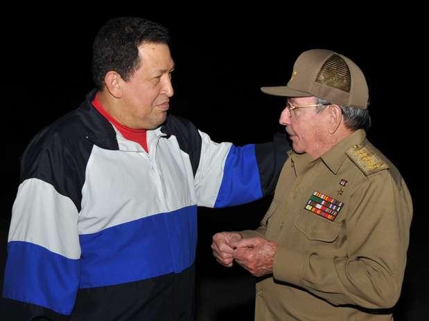 http://p1.trrsf.com/image/fget/cf/67/51/images.terra.com/2013/01/01/chavez-cuba-619.jpg