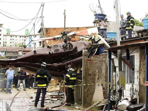http://p1.trrsf.com/image/fget/cf/67/51/images.terra.com/2013/01/21/01-sp-queda-helicoptero-terra-brunosantos.jpg