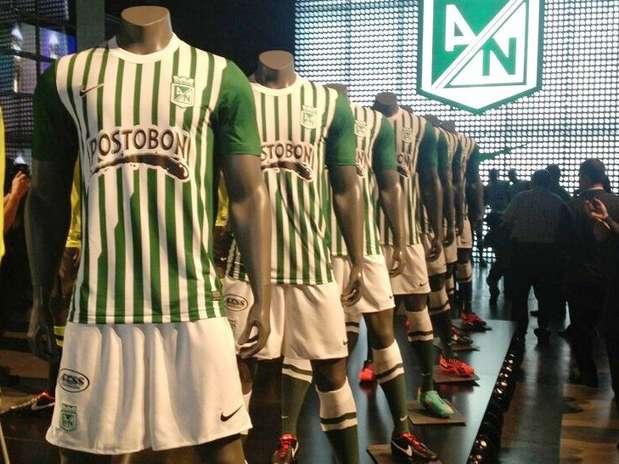 http://p1.trrsf.com/image/fget/cf/67/51/images.terra.com/2013/02/01/1-camiseta-oficial-de-atletico-nacional.jpg