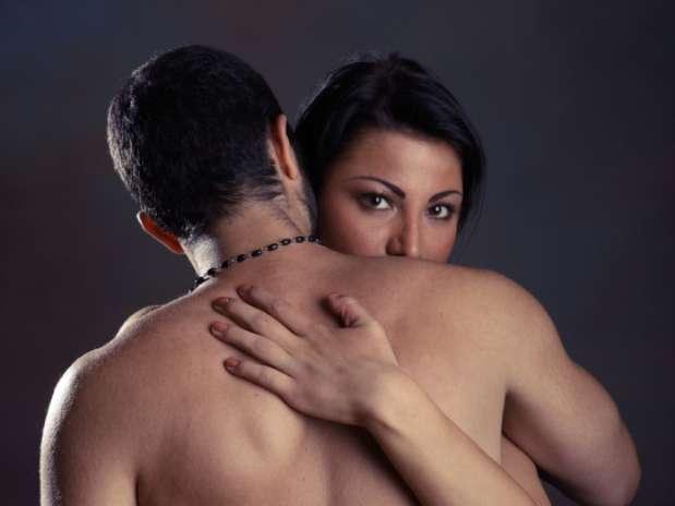 http://p1.trrsf.com/image/fget/cf/67/51/images.terra.com/2013/02/07/infidelidad-1.jpg