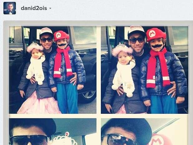 http://p1.trrsf.com/image/fget/cf/67/51/images.terra.com/2013/02/08/social-media-carnival-1.JPG