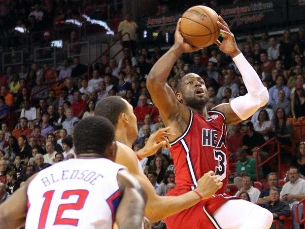 http://p1.trrsf.com/image/fget/cf/67/51/images.terra.com/2013/02/09/clippers-heat-basketblope-1.jpg