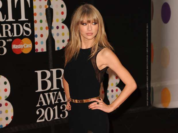 http://p1.trrsf.com/image/fget/cf/67/51/images.terra.com/2013/02/20/14taylorswiftgetty.jpg