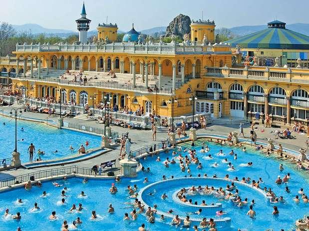 Baños Romanos Budapest: que se estrenó en Pest, la parte oriental de Budapest, en Hungría