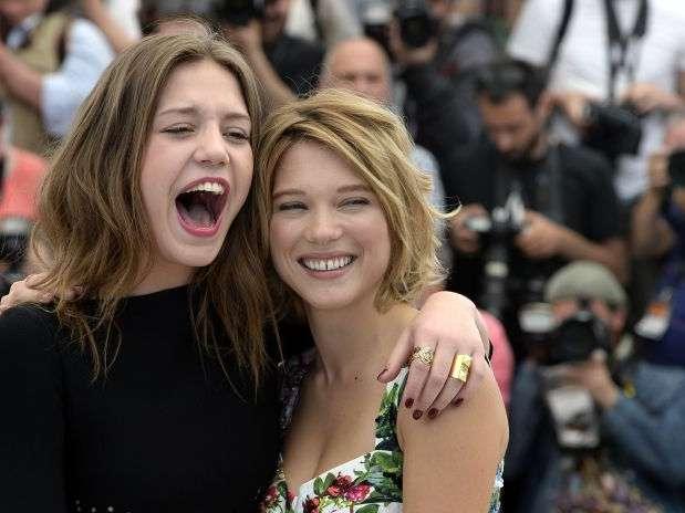"""Adele Exarchopoulos (izq) y Lea Seydoux son las protagonistas de """"La vida de Adela"""" Foto: AFP"""