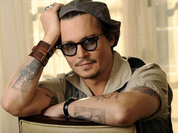 Johnny depp homenajeado por maquilladores y peluqueros for Puerta willy wonka