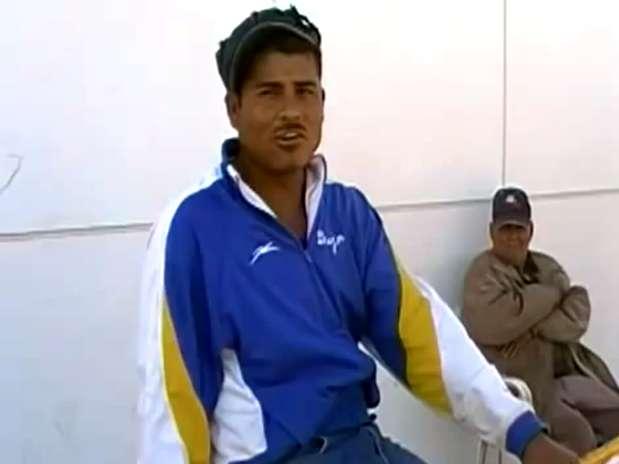 Germán, 'Larry Donas', enamora al público con sus creaciones musicales y su habilidad como cantante. Foto: YouTube
