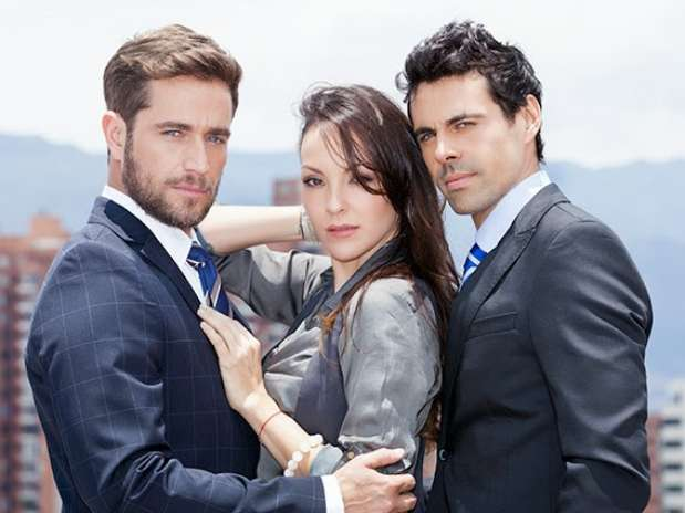 ... Carolina Gómez y Emmanuel Esparza protagonizan 'Mentiras perfectas