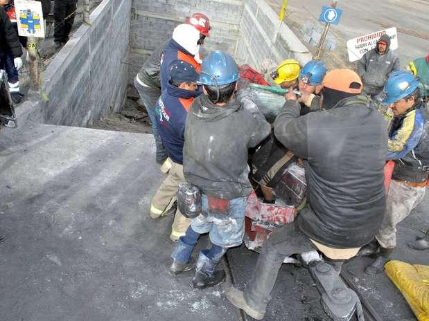 Los mexicanos laboran al año un promedio de 2 mil 357 horas; sin embargo, su remuneración económica es menor, detalla el Reporte 68 del Centro de Estudios Sociales y de Opinión Pública de la Cámara de Diputados. Foto: Archivo / Terra México