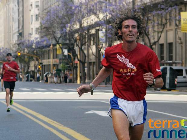 http://p1.trrsf.com/image/fget/cf/67/51/images.terra.com/2013/12/01/we-run-ba-nike10k-3.jpg