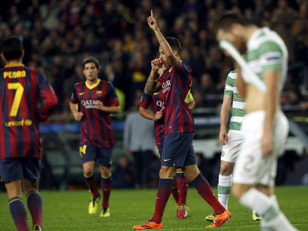 Tiki Taka Team Golazo! Cristian Tello scores v Celtic after 40 Barcelona passes