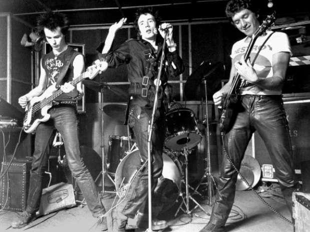 Перевод песен Sex Pistols перевод песни Submission, текст. directx 11 скача
