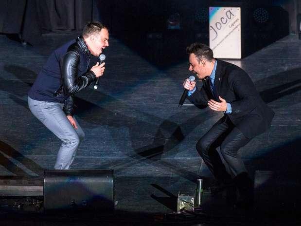 Rio Romadeleitó a sus fanáticos que se dieron cita en el Auditorio Nacional,para colmarse de una noche llena de romanticismo y sorpresas. Foto: Notimex