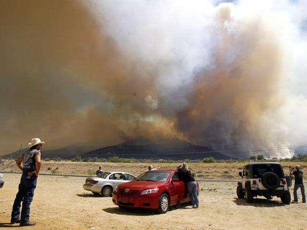 http://p1.trrsf.com/image/fget/cf/67/51/images.terra.com/2011/07/08/7e14347d-001incendiosp.jpg