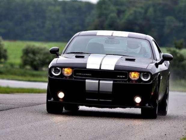 http://p1.trrsf.com/image/fget/cf/67/51/images.terra.com/2011/07/15/759ab0ab-Foto-Dodge-Challenger-2012-605p.jpg