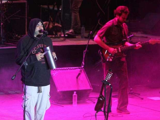 http://p1.trrsf.com/image/fget/cf/67/51/images.terra.com/2012/04/29/01-bareto-concierto-20120429023306.jpg