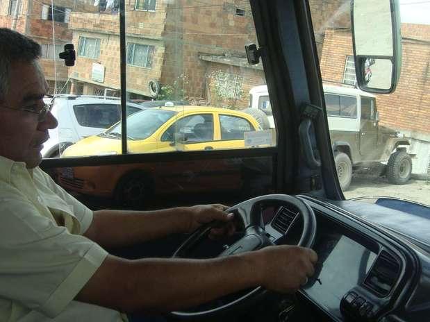 http://p1.trrsf.com/image/fget/cf/67/51/images.terra.com/2012/06/27/busbogota4.JPG