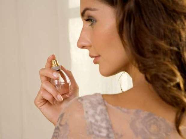 http://p1.trrsf.com/image/fget/cf/67/51/images.terra.com/2012/09/18/1-perfume-abre.jpg