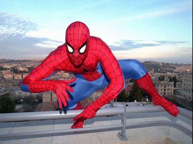 http://p1.trrsf.com/image/fget/cf/67/51/images.terra.com/2012/11/24/spiderman.jpg
